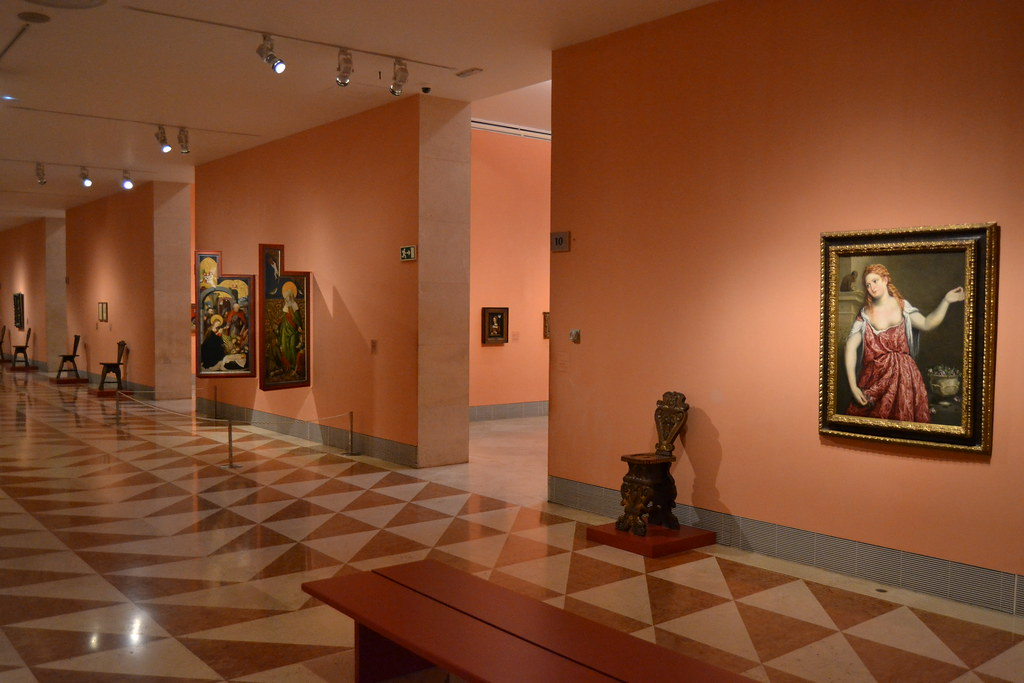 thyssen museum guided tours in madrid
